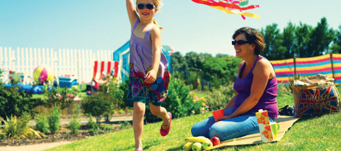 Summer Living: How to Welcome Weekend Guests