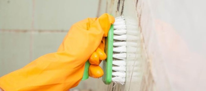 Three ways to effectively kill mildew and keep your bathroom squeaky clean: